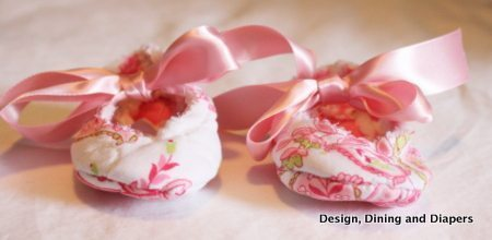 baby shoes, baby DIY, pink shoes, sewing baby shoes