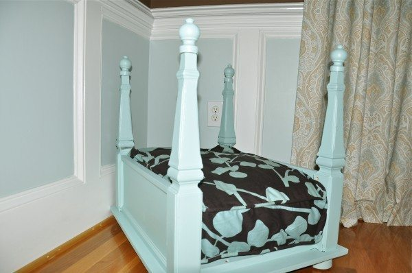 10 visually appealing dog beds taryn whiteaker for Dog bed table