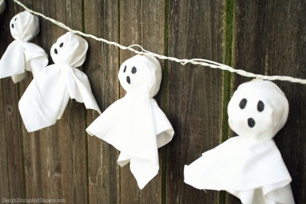 Illuminated ghost garland design dining diapers - Deco d halloween a fabriquer ...