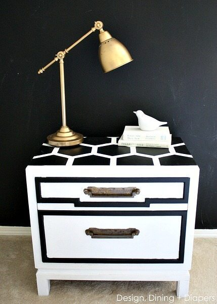 DIY Honeycomb Side Table Makeover via @tarynatddd