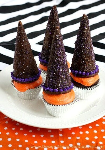 Witch Hat Cupcakes via @tarynatddd