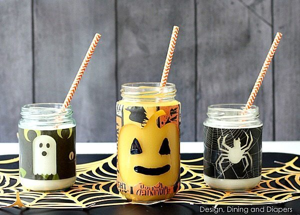 Adorable peek-a-boo Halloween cups! Fill them with milk and juice and the images pop out! Via @tarynatddd