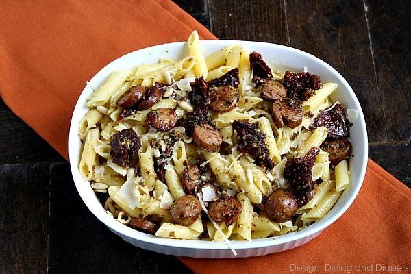 Gluten-Free Pesto Pasta Dish via @tarynatddd