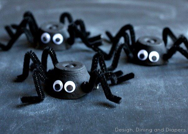 Egg Carton Spiders via @tarynatddd