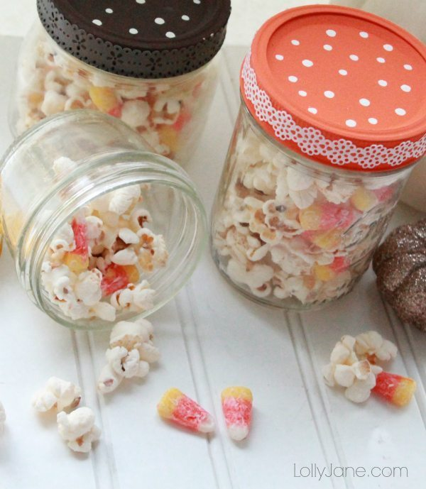 halloween-candy-corn-popcorn-mix