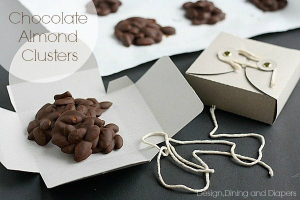 Homemade Chocolate Almond Clusters with cute gift boxes. Great gift idea for the Holidays via @tarynatddd