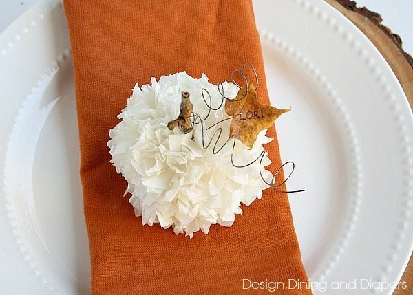 Thanksgiving Place Card Idea-Tissue Paper Pumpking Tutorial via @Tarynatddd
