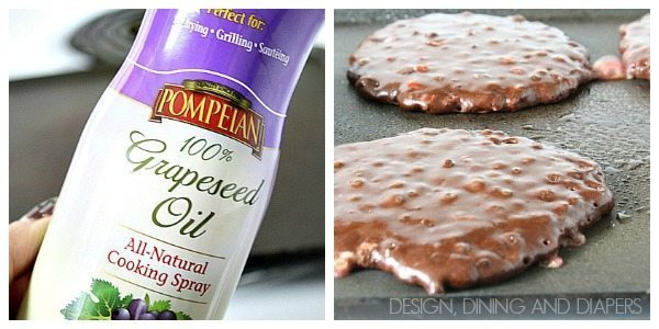 Chocolate Peppermint Pancakes via @Tarynatddd 4