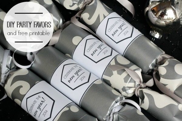 DIY New Years Party Favors and Free Printable. Made from recycled Christmas wrap!