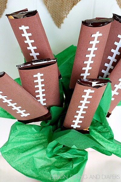Football Candy Bouquet! Looks easy too!