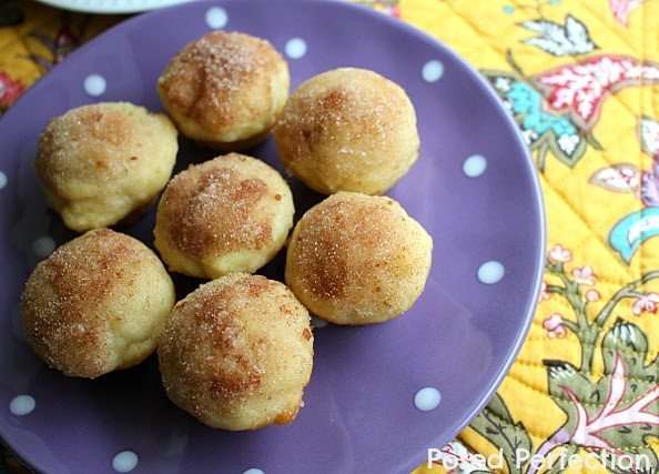 buttermilk-cinnamon-sugar-mini-muffins-2