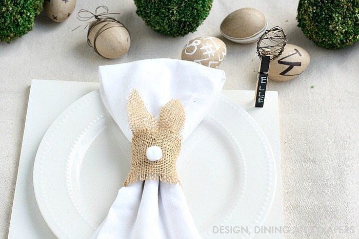 Neutral Easter Place Setting with DIY Bunny Napkins Rings #easterdecor #napkinrings #diyeaster