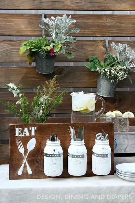 DIY Silverware Holder - great idea for outdoor entertaining