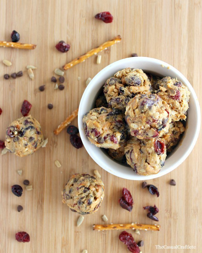 No-Bake-Trail-Mix-Energy-Bites-by-www.thecasualcraftlete.com_