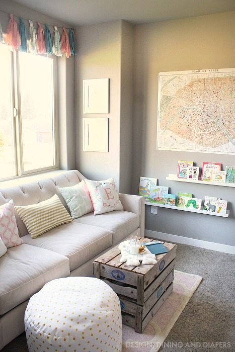Little Girl's Reading Nook via @tarynatddd