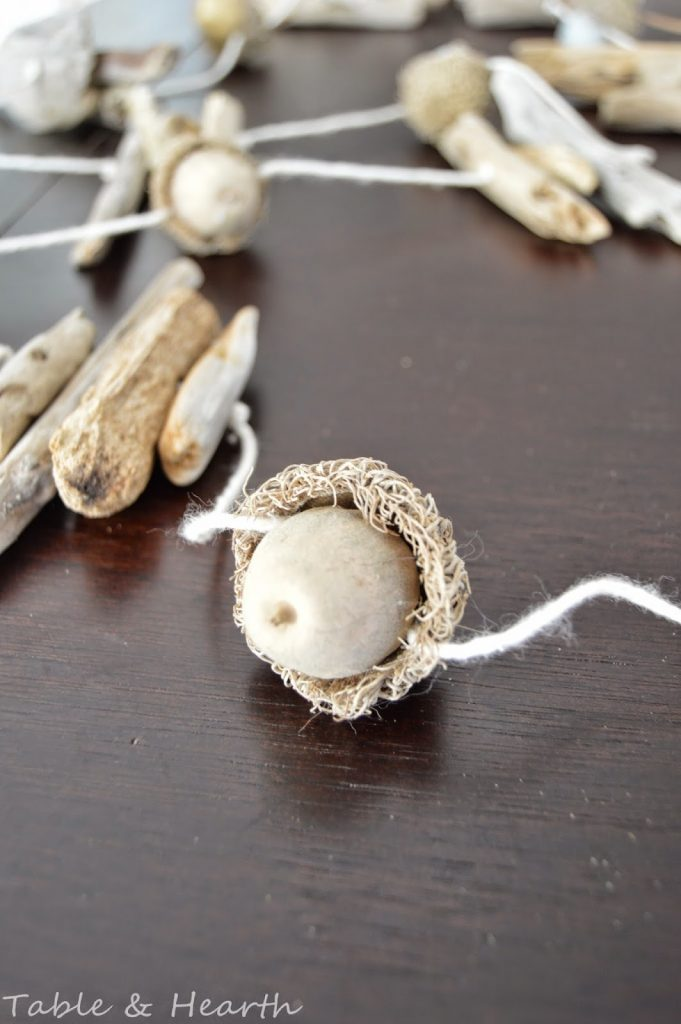 9 Acorn garland
