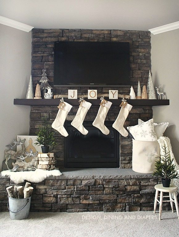 Winter White Christmas Mantel_1