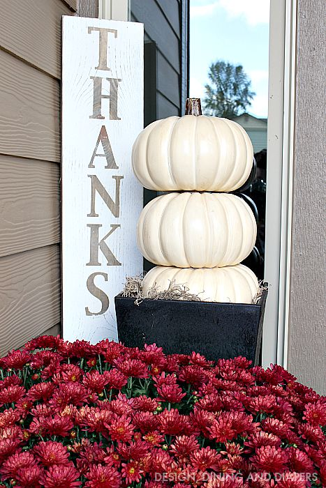 pumpkin topiary and thanks sign