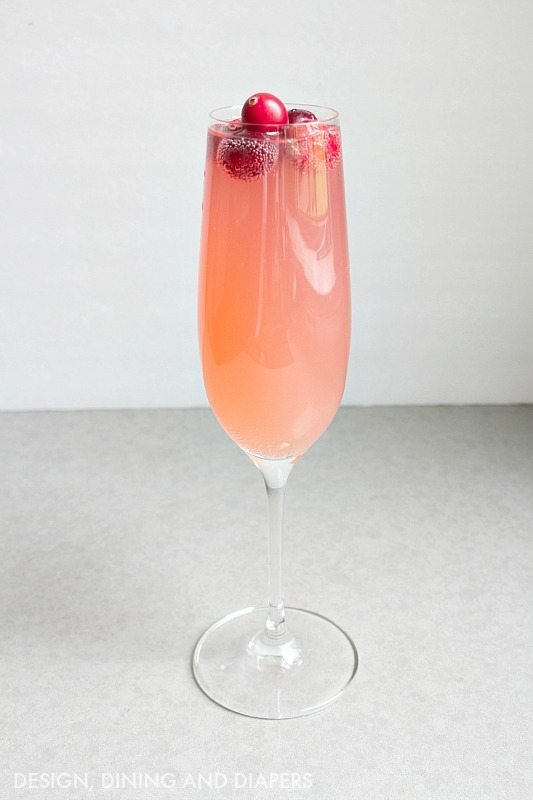 http://designdininganddiapers.com/wp-content/uploads/2015/11/Cranberry-Cocktail-.jpg