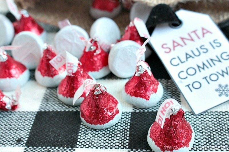 HERSHEY'S KISSES Santa Hat Chocolates - SO Cute!