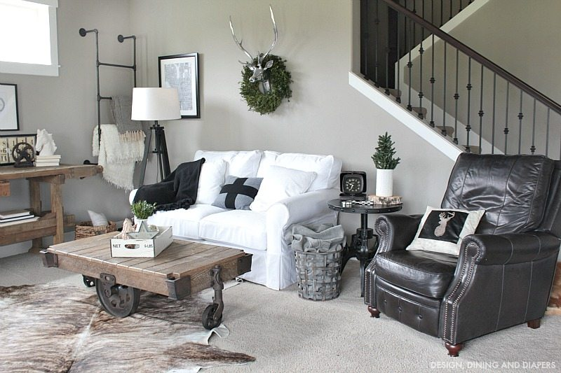 Nordic Christmas Tour - Rustic Family Room