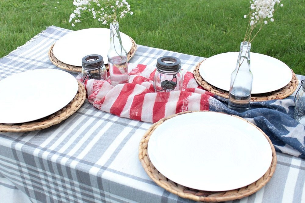 Patriotic Outdoor Tablescape 3