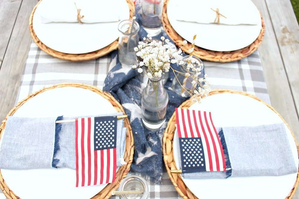 Patriotic Outdoor Tablescape 5