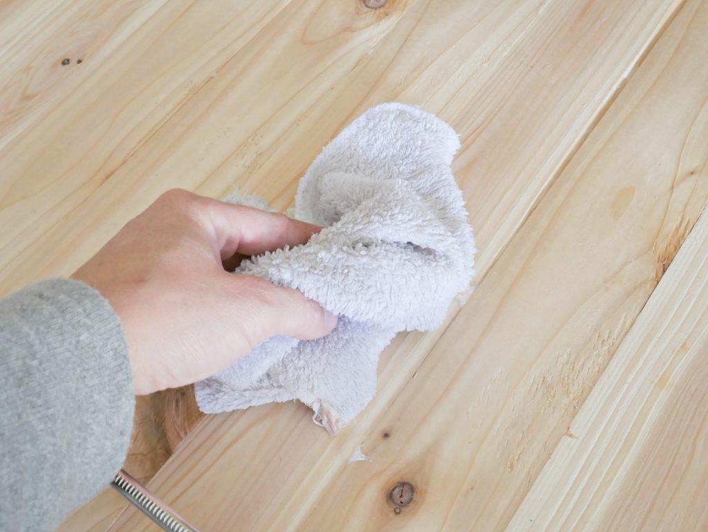 Wiping Glue