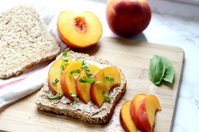 peach-toast-breakfast-1024x683