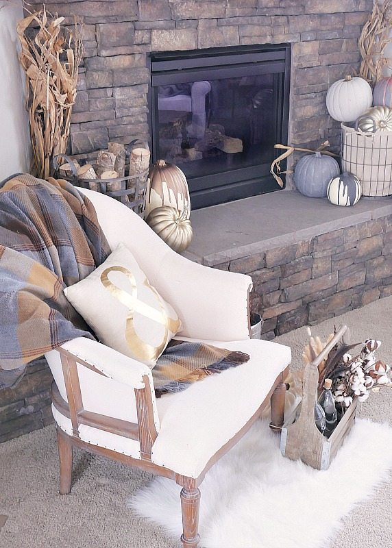 fall-mantel-with-chair