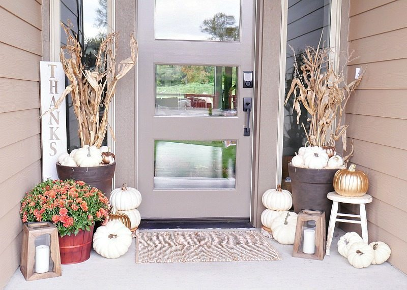neutral-tone-fall-porch