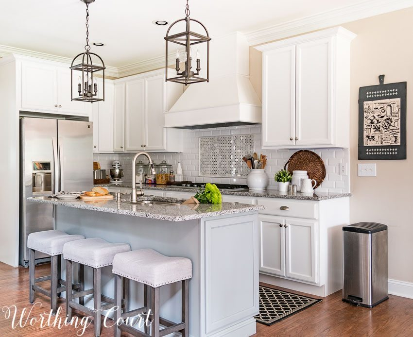 remodeled-farmhouse-kitchen-range-hood