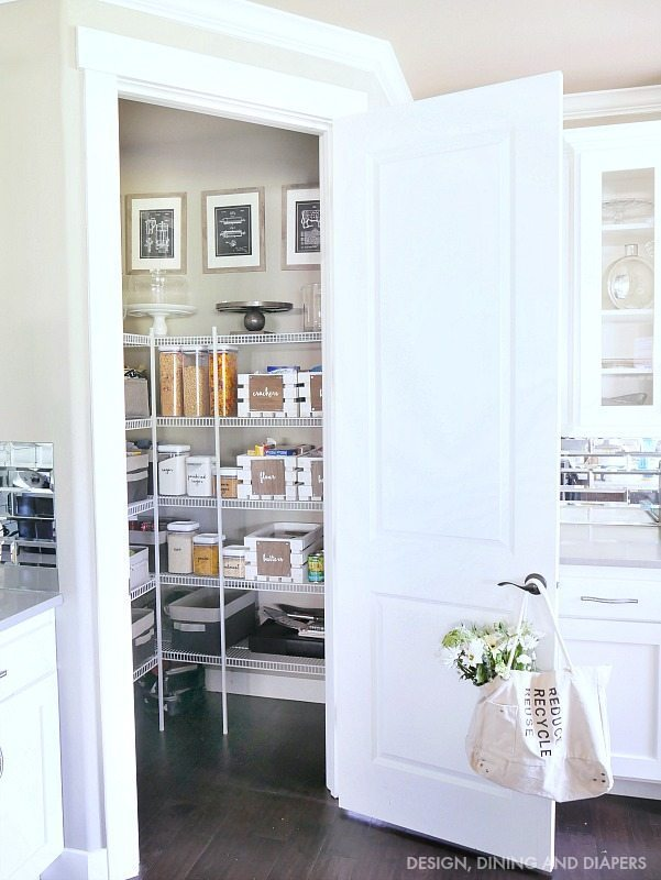 walk-in-pantry-with-organization