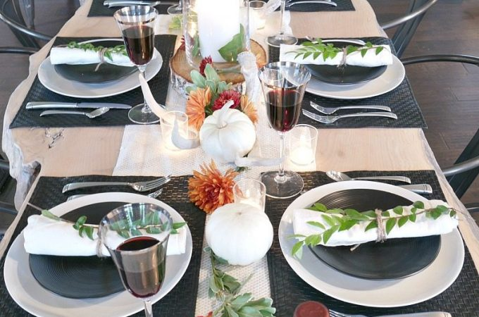 black-and-white-rustic-modern-fall-table-setting-with-pops-of-flowers