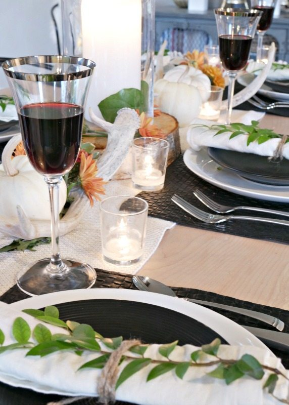 black-and-white-rustic-modern-fall-table-setting-with-pops-of-green