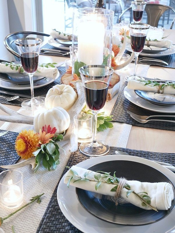 black-and-white-rustic-modern-fall-table