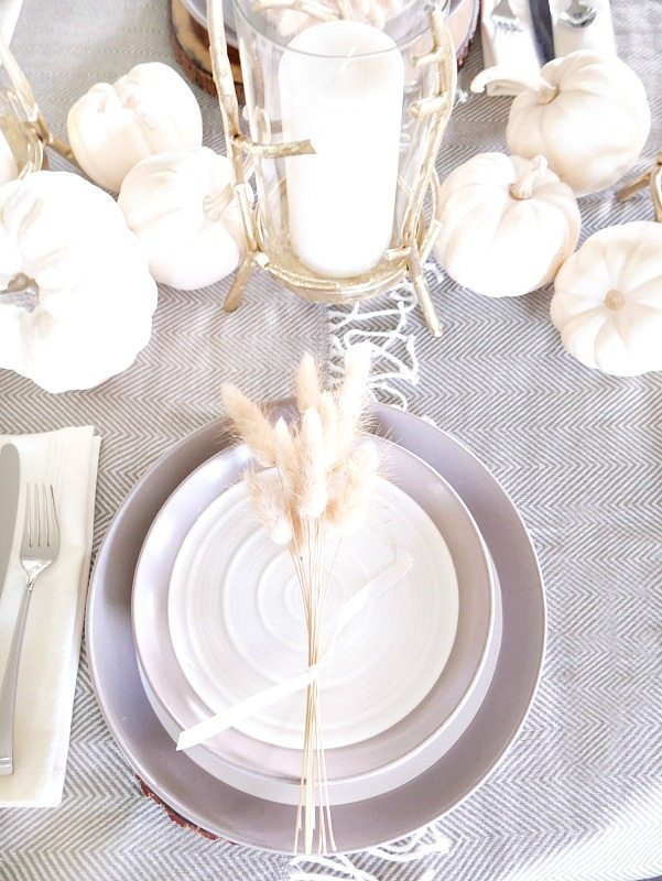 wheat-strands-used-for-place-setting