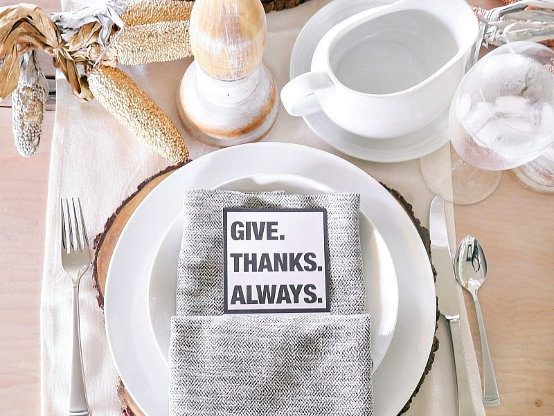 Casual Black and White Thanksgiving Table + FREE PRINTABLE