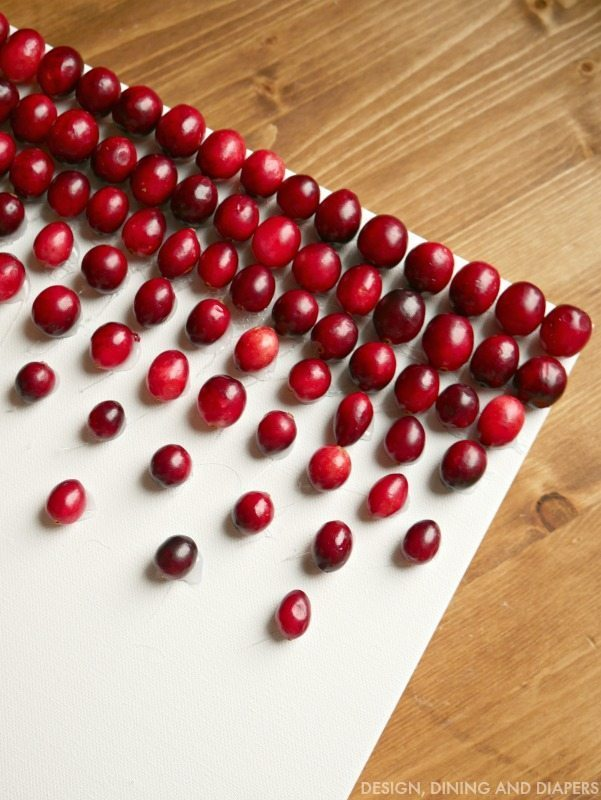 Modern DIY Cranberry Decor - Yup, those are cranberries on that art. Click to see the full details!
