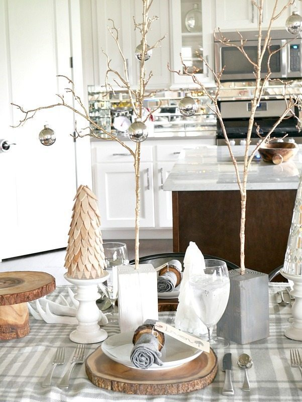 Cozy and Elegant Winter Table Setting & Cozy and Elegant Winter Table Setting - Taryn Whiteaker