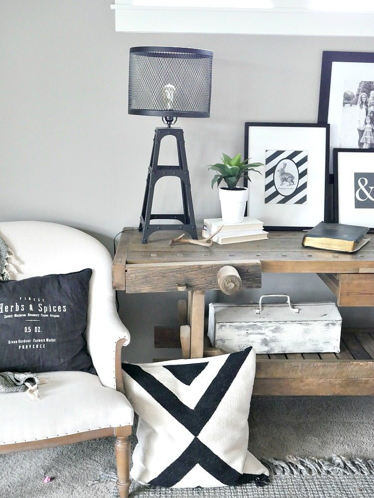 Black and White Rustic Modern Vignette
