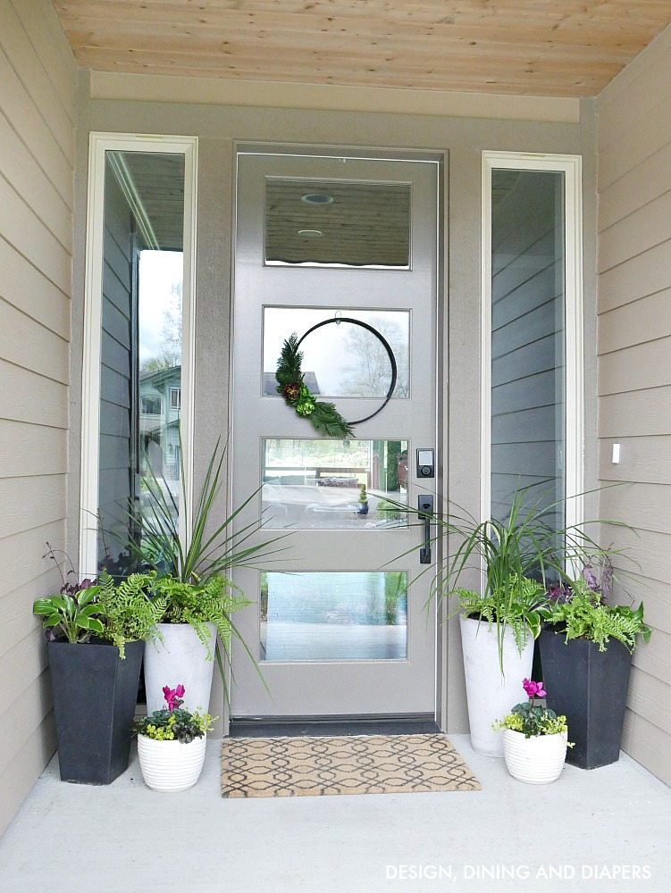 Front porch planter ideas taryn whiteaker for Front door patio ideas
