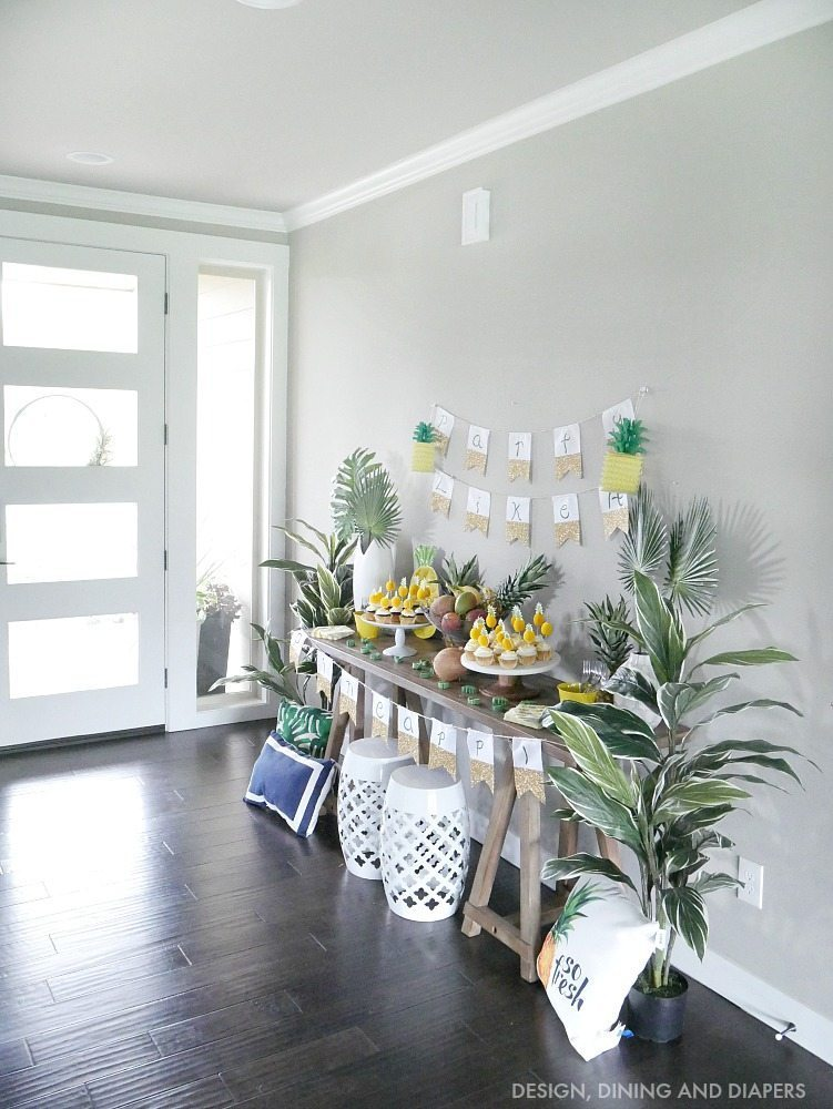 Pineapple Party Display