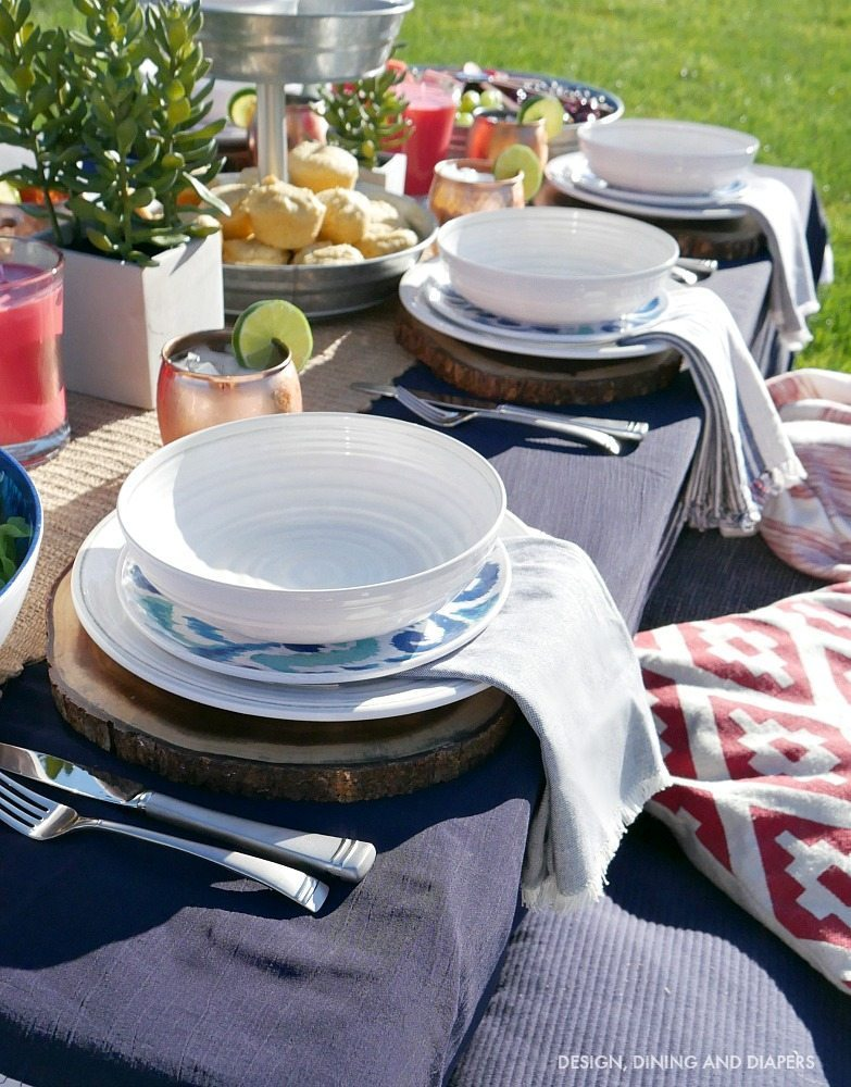Inexpensive outdoor dishes and place settings